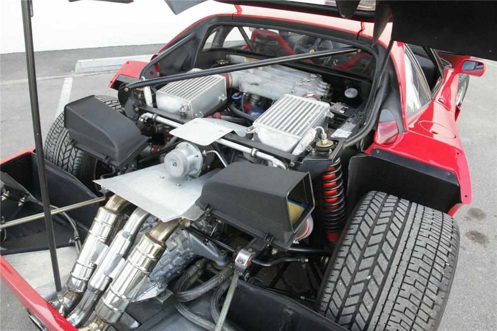 1989 FERRARI F40 - Engine - 180537