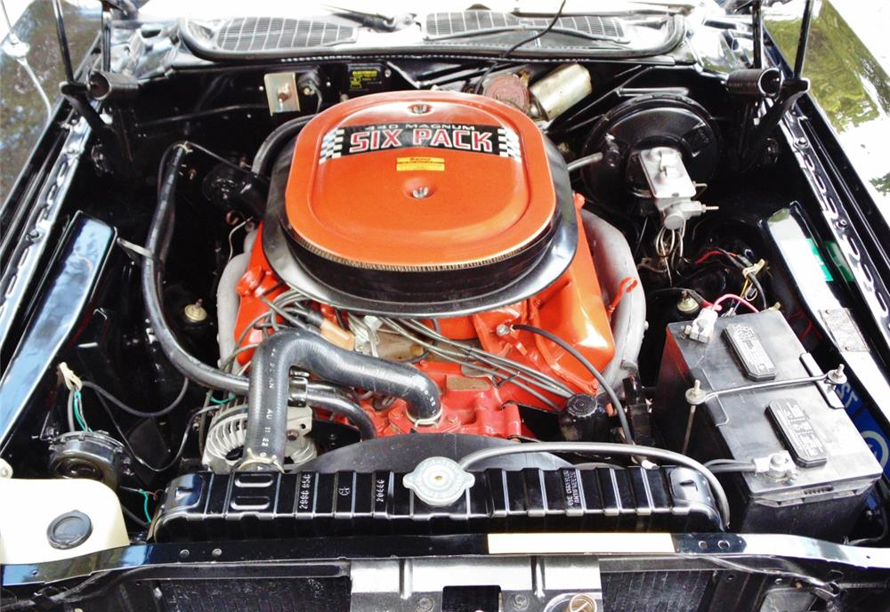 1970 DODGE CHALLENGER R/T SE - Engine - 180604