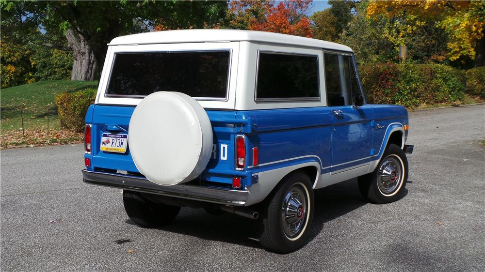 1977 FORD BRONCO HARDTOP - Rear 3/4 - 180608