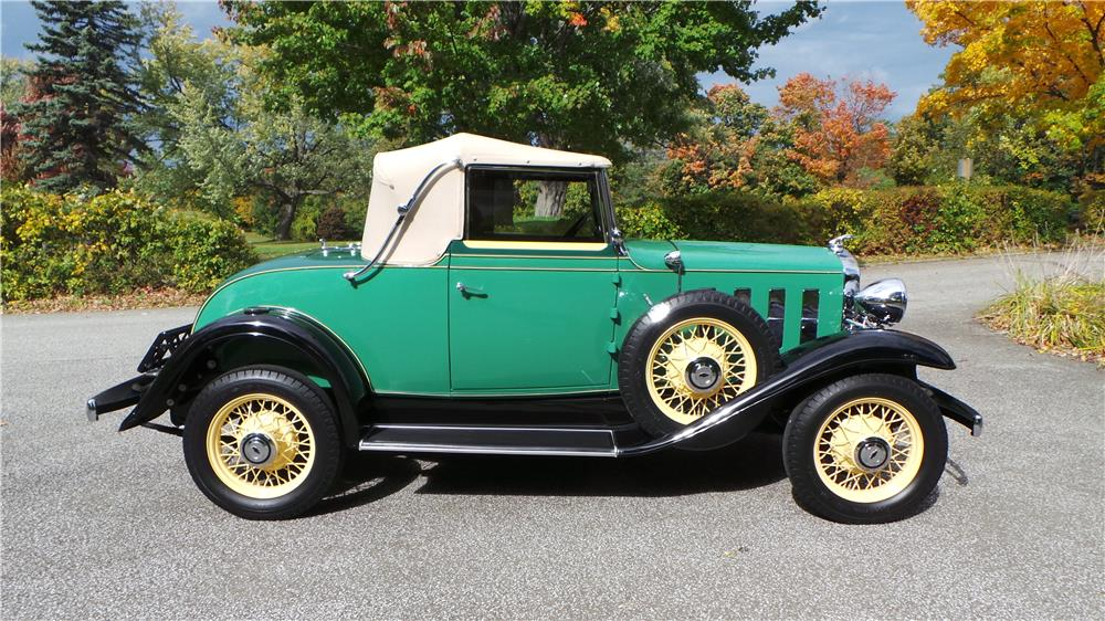 1932 CHEVROLET CONVERTIBLE CABRIOLET - Side Profile - 180609