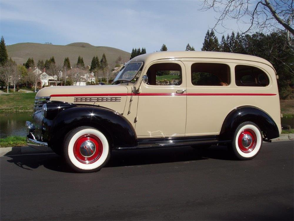 1941 CHEVROLET CARRYALL SUBURBAN - Side Profile - 180644