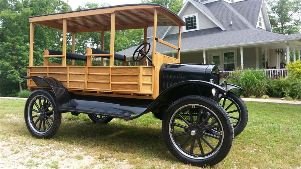1918 FORD MODEL T HUCKSTER WAGON - Front 3/4 - 180682