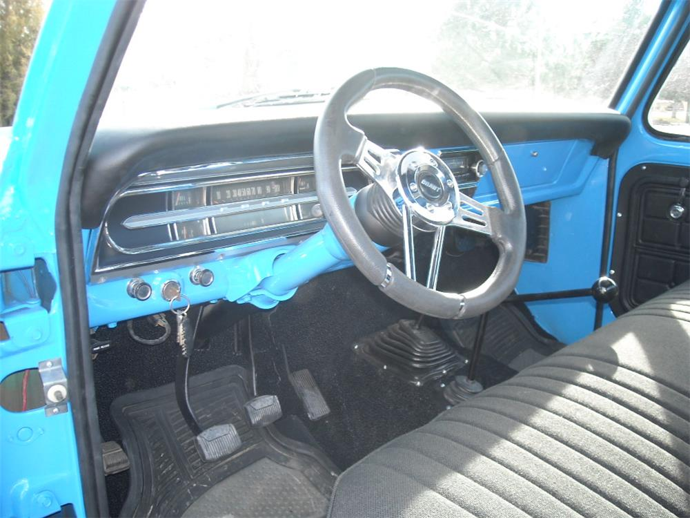 1972 FORD F-100 CUSTOM PICKUP - Interior - 180685