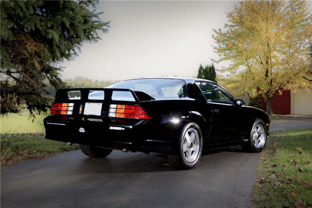 1991 CHEVROLET CAMARO Z/28 - Rear 3/4 - 180688