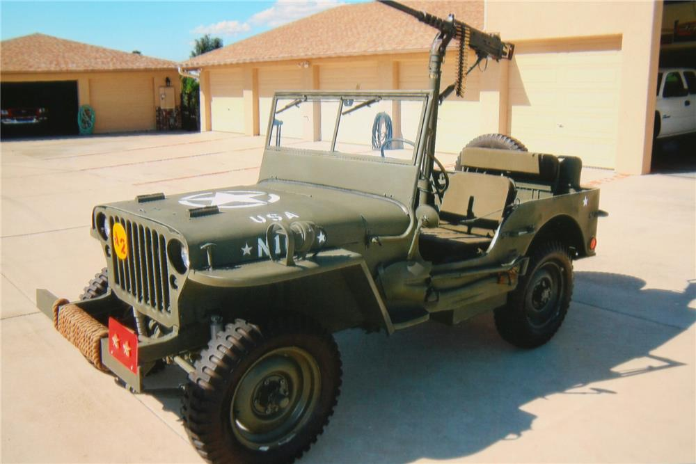 1942 WILLYS MILITARY JEEP  - Front 3/4 - 180693