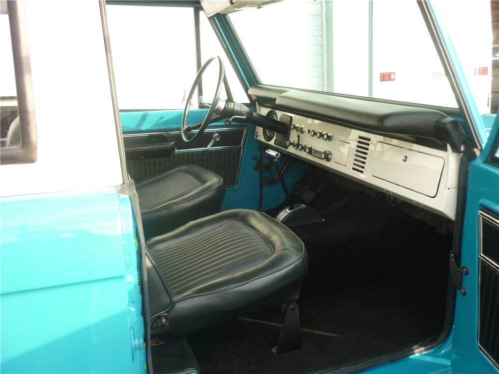 1970 FORD BRONCO 4X4 - Interior - 180706