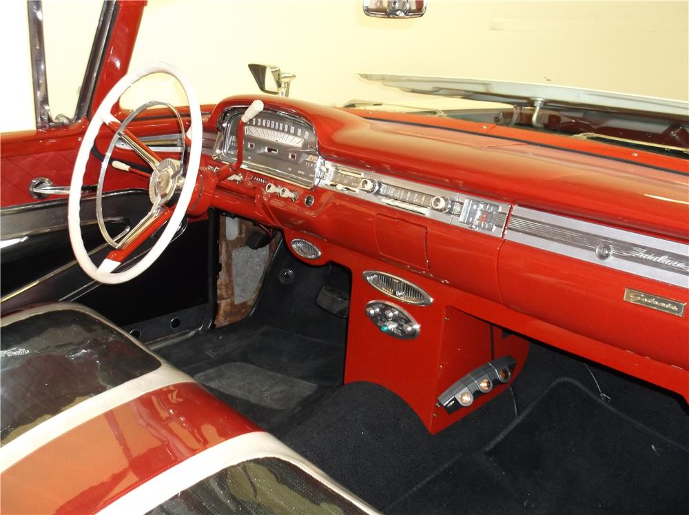 1959 FORD GALAXIE SUNLINER RETRACTABLE HARDTOP - Interior - 180728