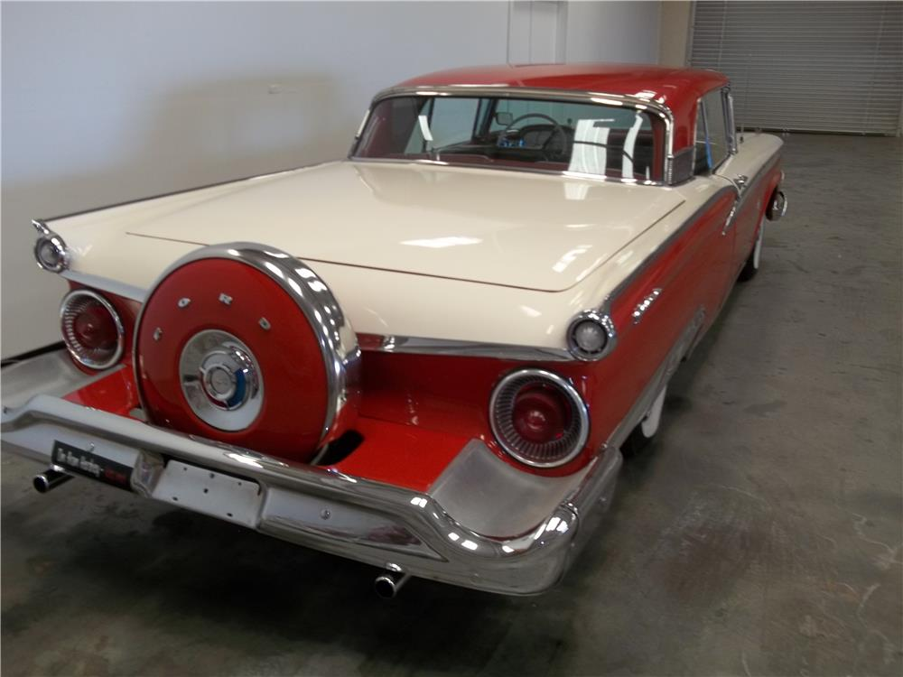 1959 FORD GALAXIE SUNLINER RETRACTABLE HARDTOP - Rear 3/4 - 180728