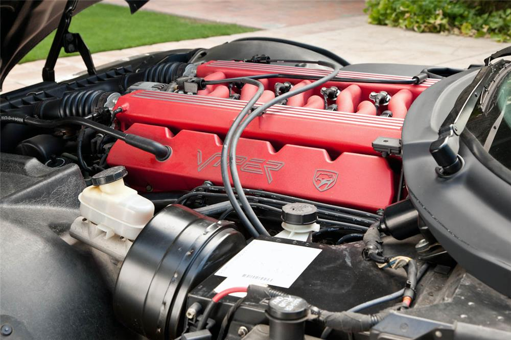 1994 DODGE VIPER ROADSTER - Engine - 180732