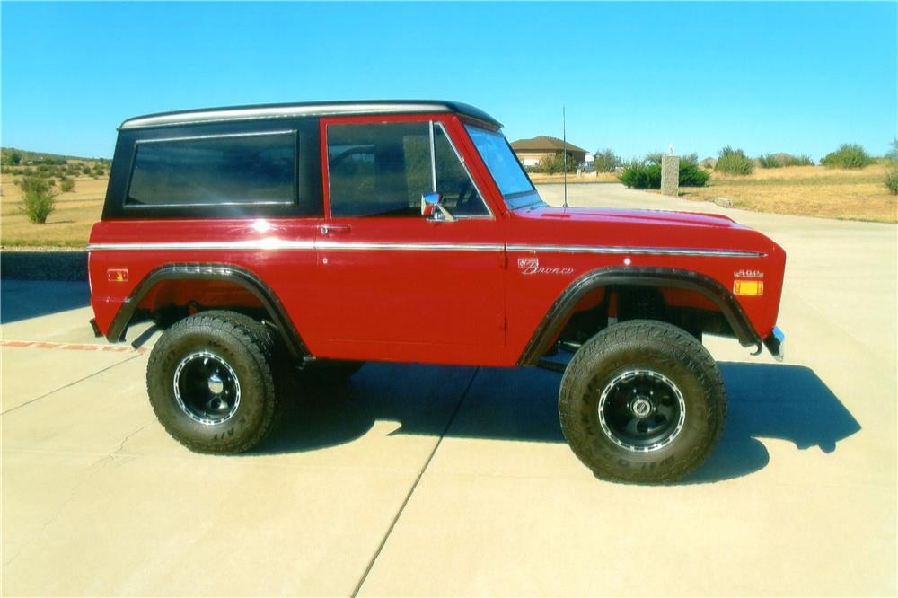 1971 FORD BRONCO 2 DOOR - Front 3/4 - 180738