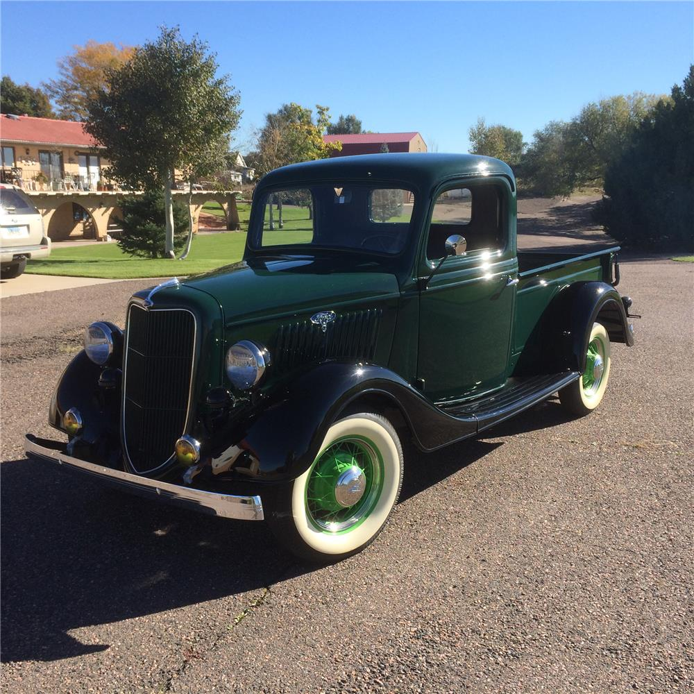 1935 FORD PICKUP - Front 3/4 - 180743