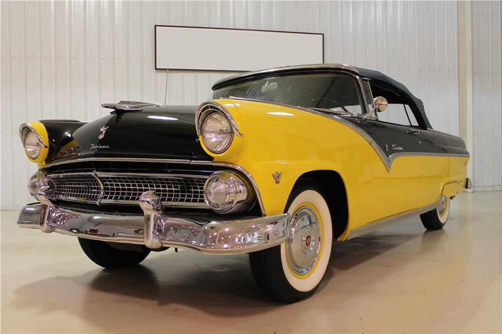 1955 FORD FAIRLANE SUNLINER CONVERTIBLE - Front 3/4 - 180749