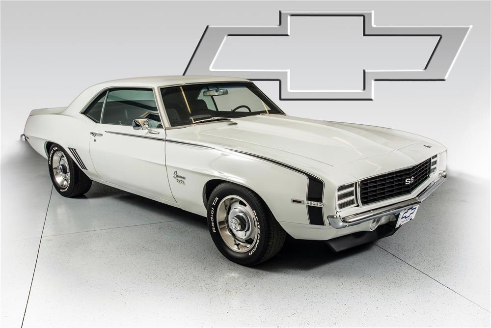 1969 CHEVROLET CAMARO RS - Front 3/4 - 180759