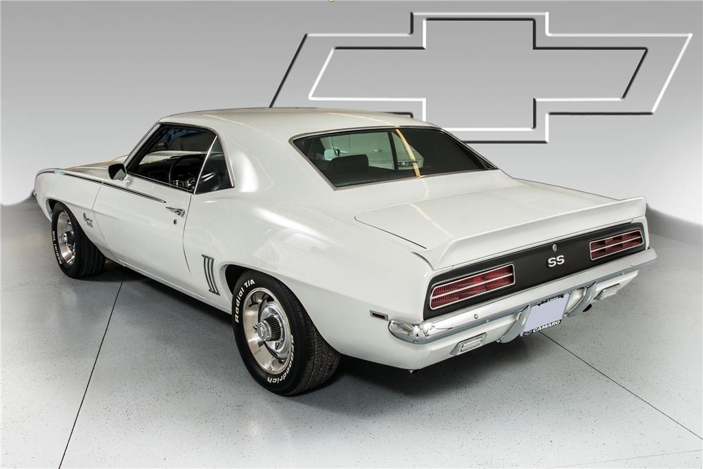 1969 CHEVROLET CAMARO RS - Rear 3/4 - 180759