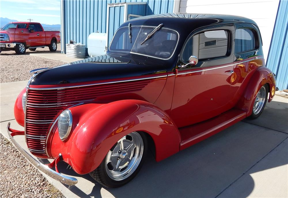 1938 FORD HUMPBACK STREET-ROD - Front 3/4 - 180795