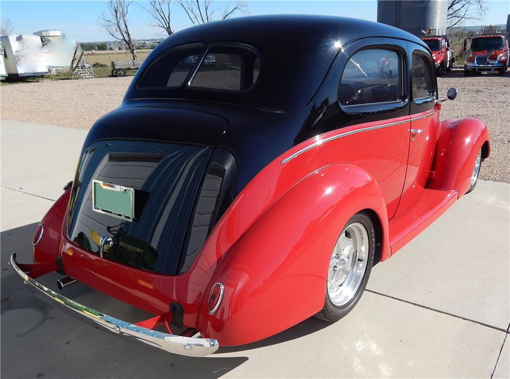 1938 FORD HUMPBACK STREET-ROD - Rear 3/4 - 180795