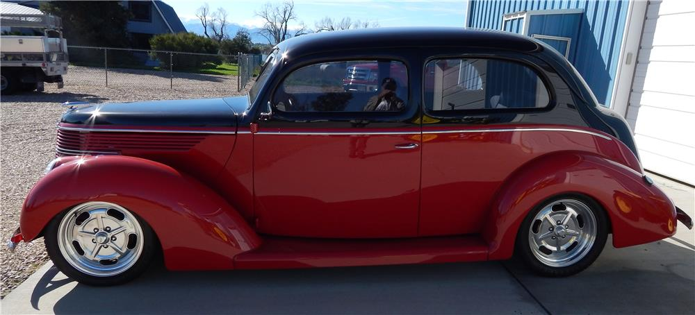 1938 FORD HUMPBACK STREET-ROD - Side Profile - 180795