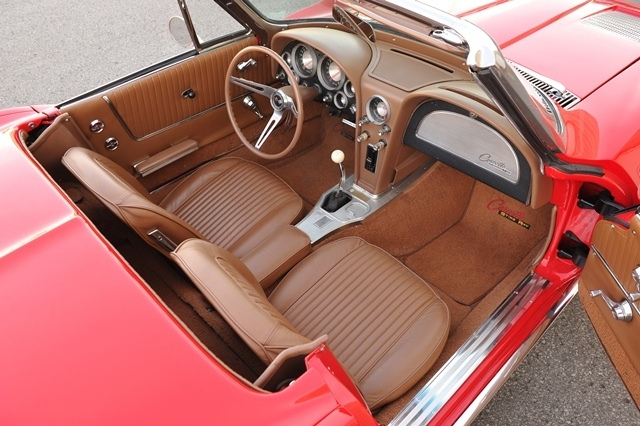 1963 CHEVROLET CORVETTE ROADSTER - Interior - 180839