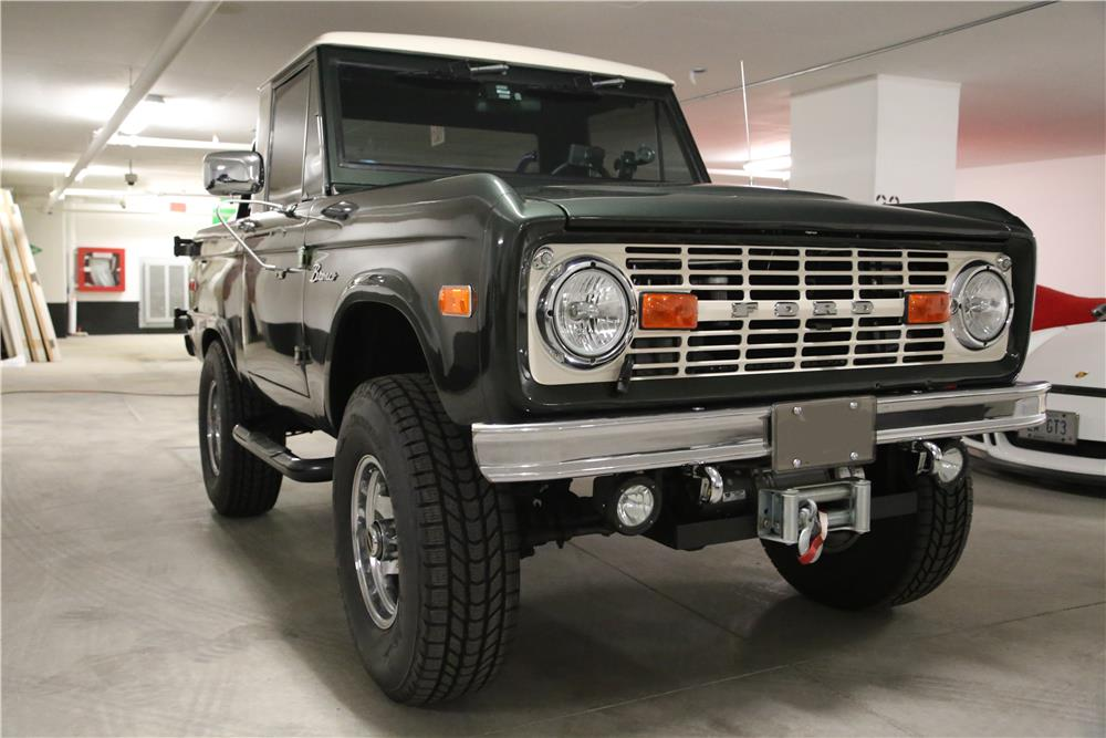 1972 FORD BRONCO CUSTOM 4X4 - Front 3/4 - 180841