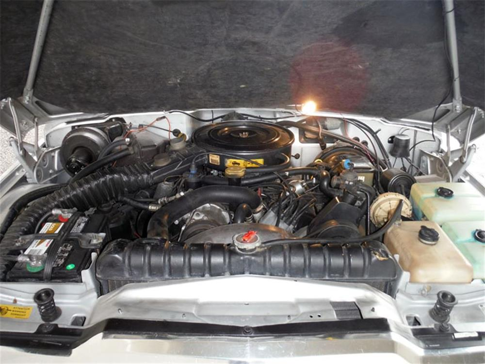 1989 JEEP GRAND WAGONEER LTD - Engine - 180844