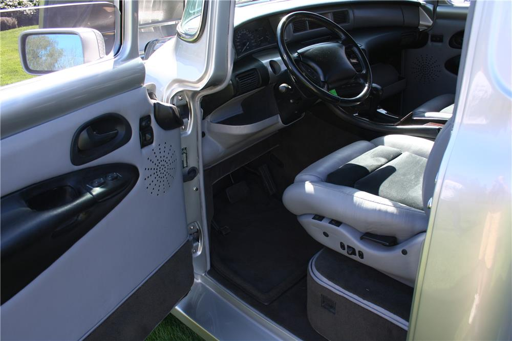 1956 FORD F-100 CUSTOM PICKUP - Interior - 180848