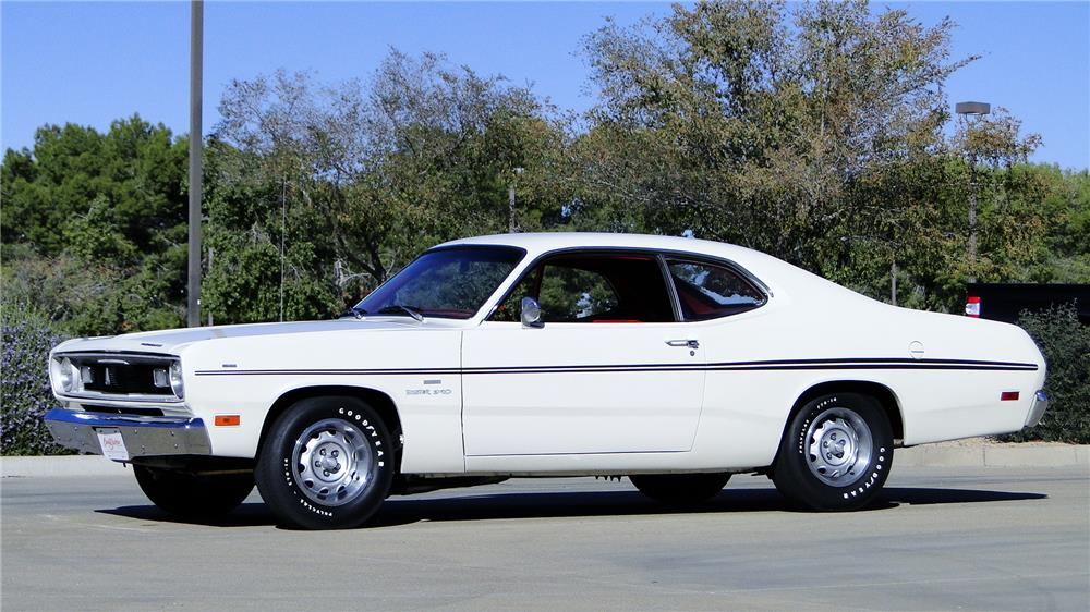 1970 PLYMOUTH DUSTER - Front 3/4 - 180859