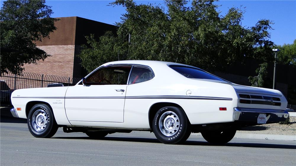 1970 PLYMOUTH DUSTER - Rear 3/4 - 180859