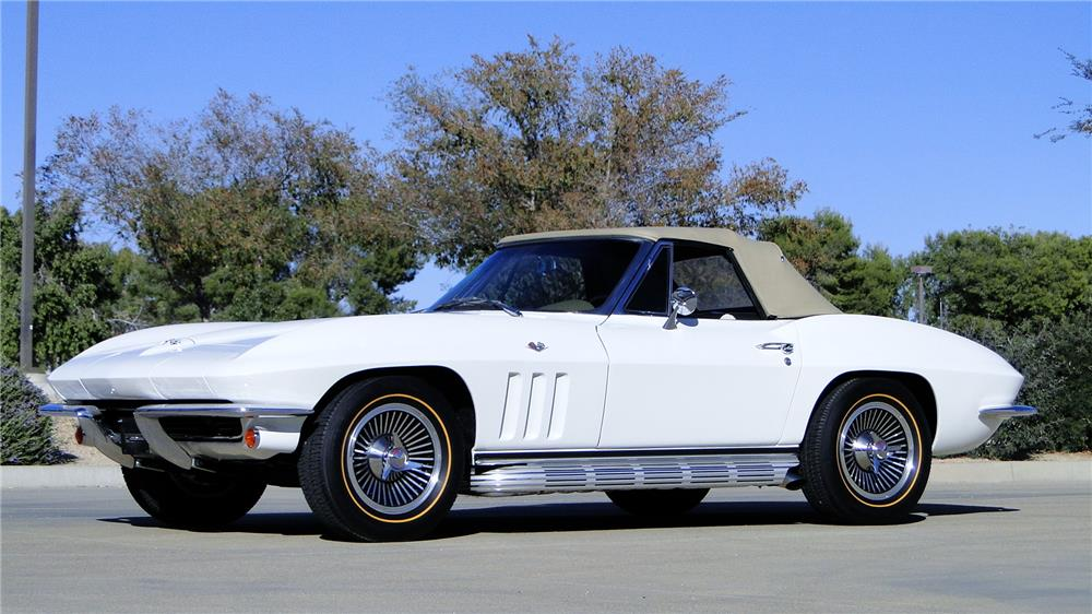 1965 CHEVROLET CORVETTE CONVERTIBLE - Front 3/4 - 180870