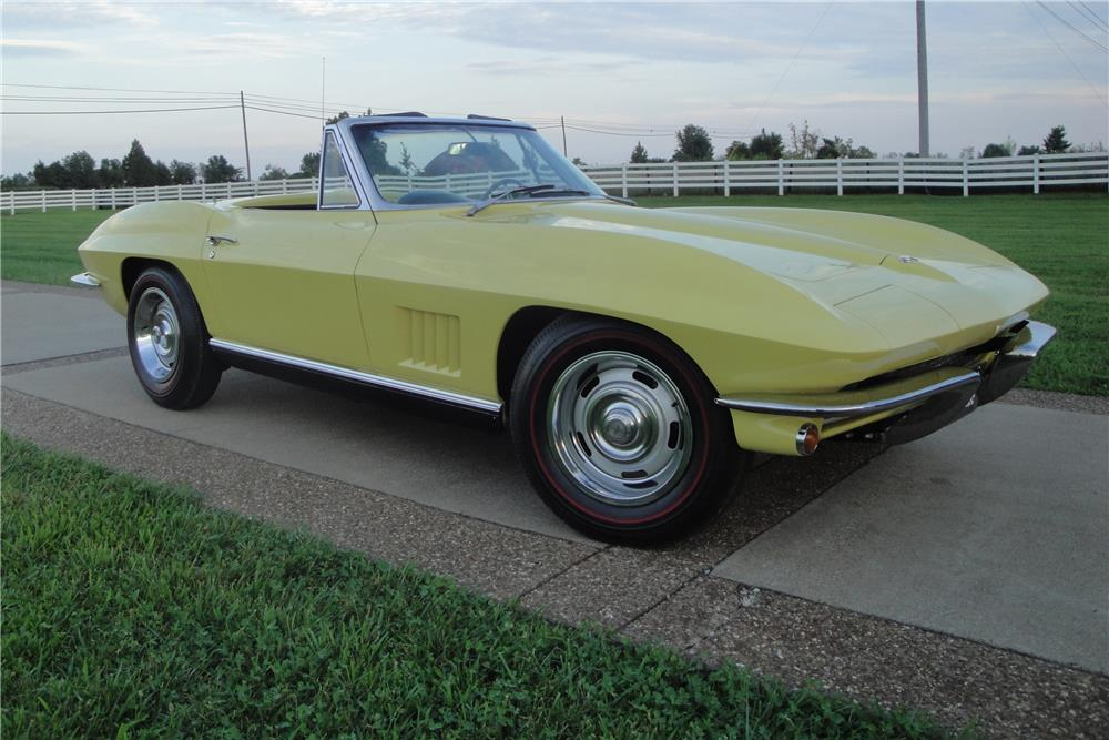 1967 CHEVROLET CORVETTE CONVERTIBLE - Front 3/4 - 180873