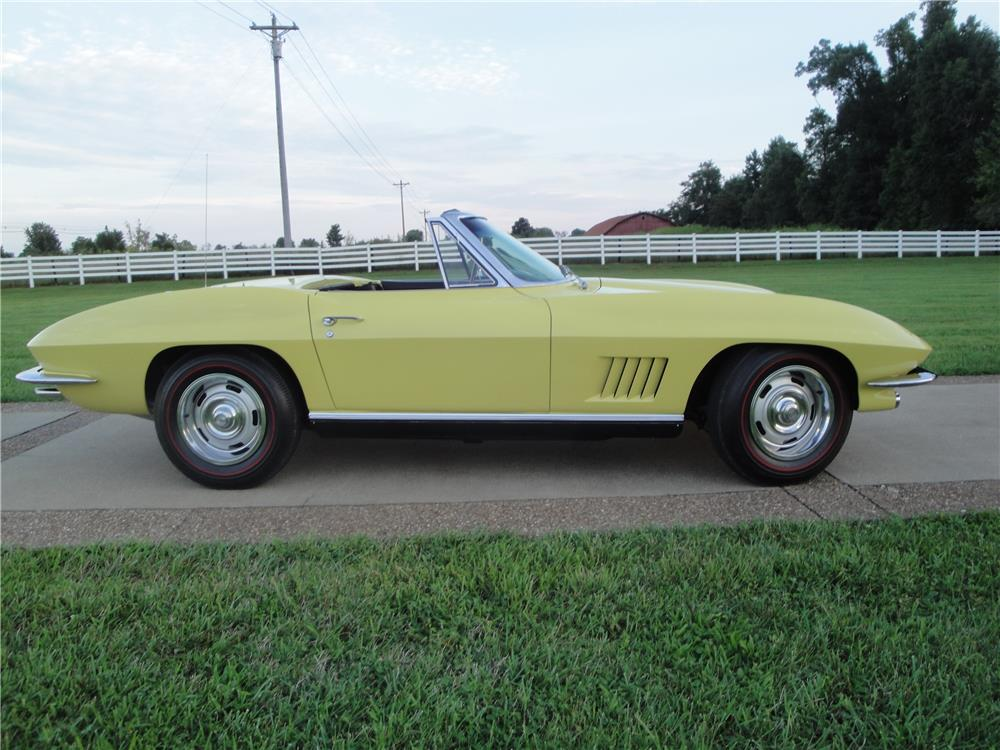 1967 CHEVROLET CORVETTE CONVERTIBLE - Side Profile - 180873