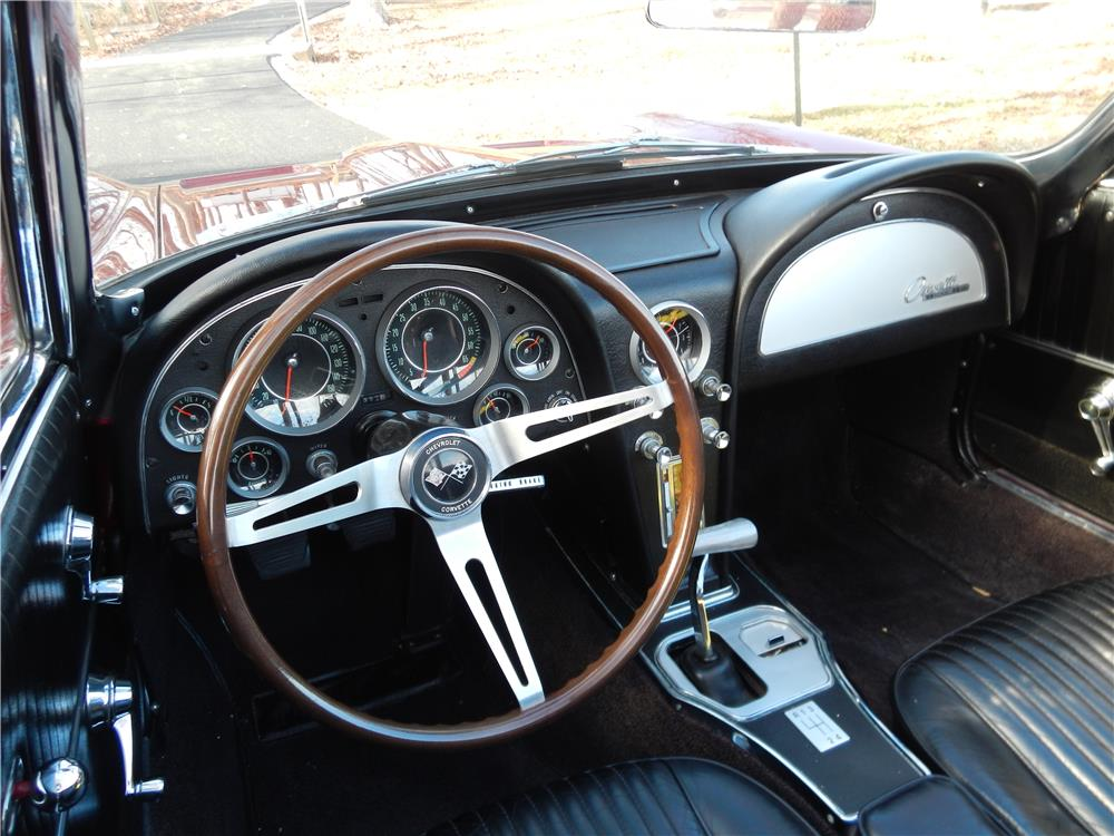 1964 CHEVROLET CORVETTE CONVERTIBLE - Interior - 180881