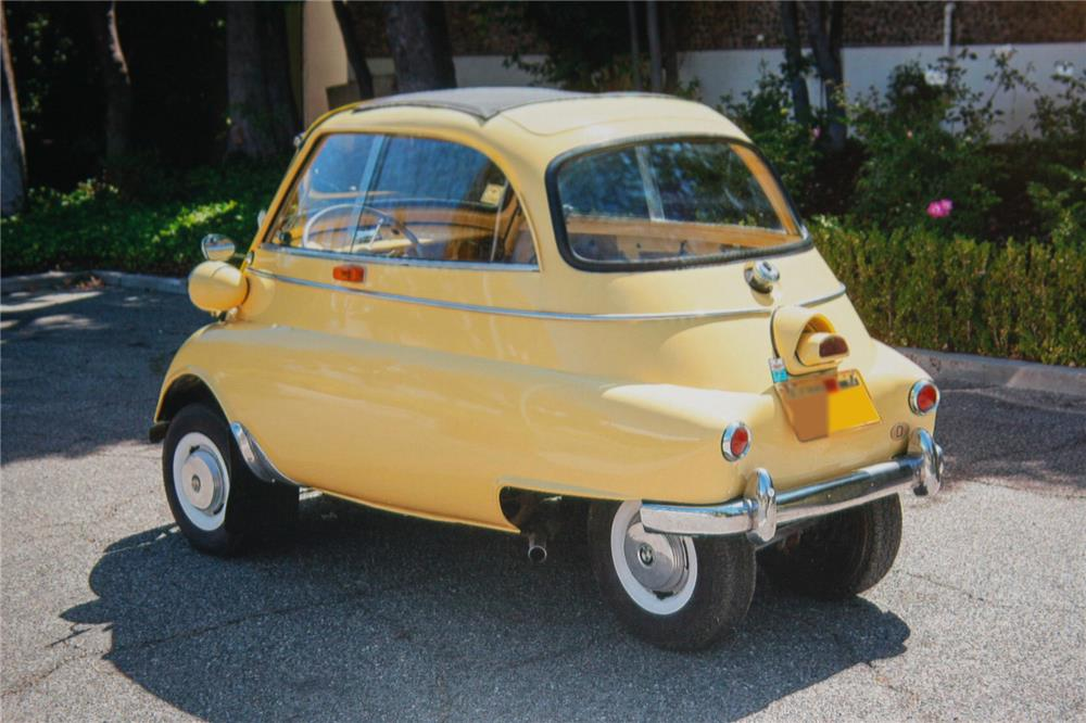 1957 BMW ISETTA 250 2 DOOR COUPE - Rear 3/4 - 180912