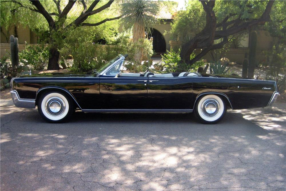 1967 LINCOLN CONTINENTAL CONVERTIBLE - Side Profile - 180925