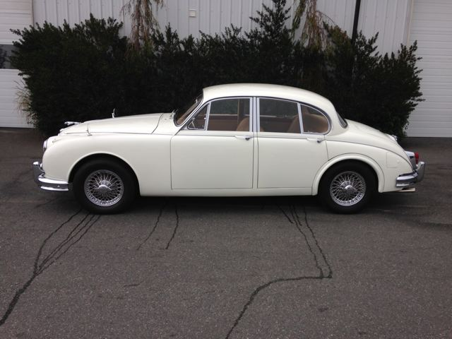 1963 JAGUAR MARK II SEDAN - Side Profile - 180926