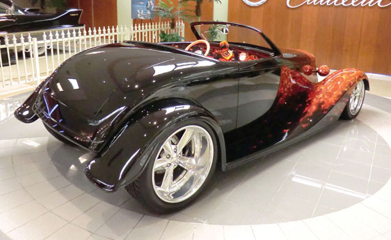 1933 FORD CUSTOM ROADSTER - Rear 3/4 - 180930