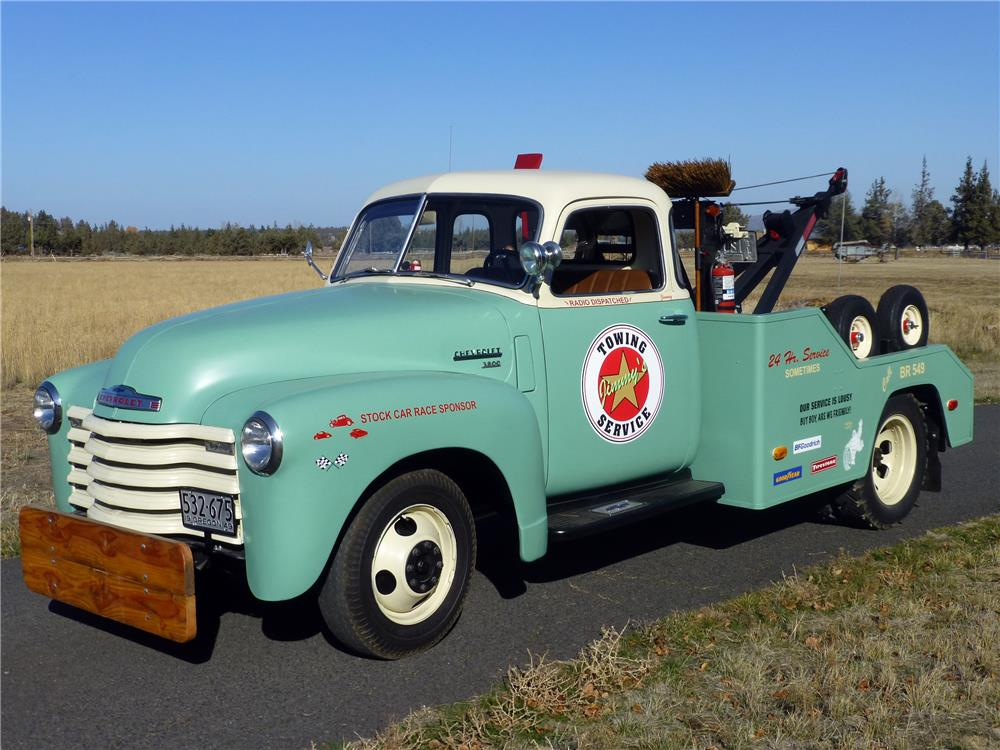 1949 CHEVROLET 3800 TOW TRUCK - Front 3/4 - 180933