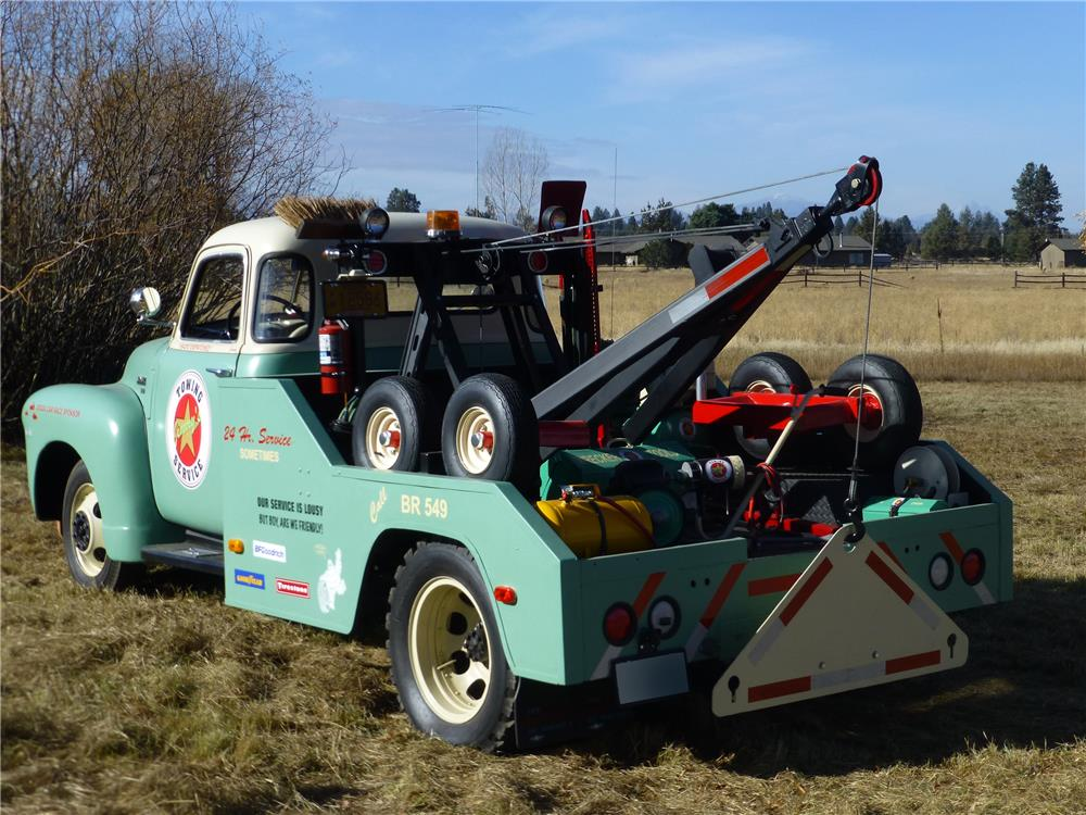 1949 CHEVROLET 3800 TOW TRUCK - Rear 3/4 - 180933