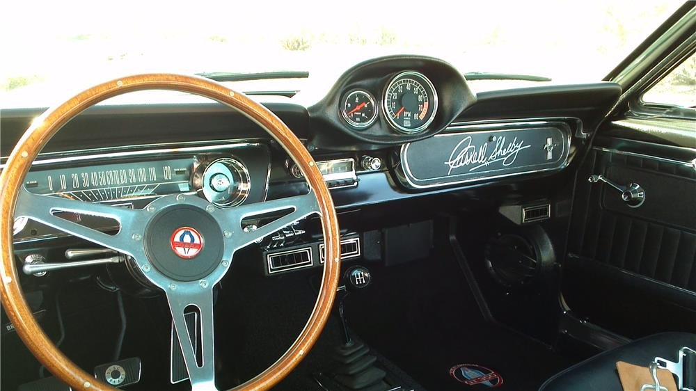 1965 FORD MUSTANG CUSTOM  FASTBACK - Interior - 180953