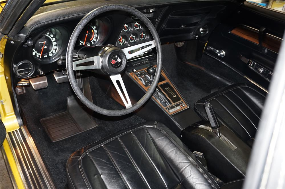 1971 CHEVROLET CORVETTE CONVERTIBLE - Interior - 180995