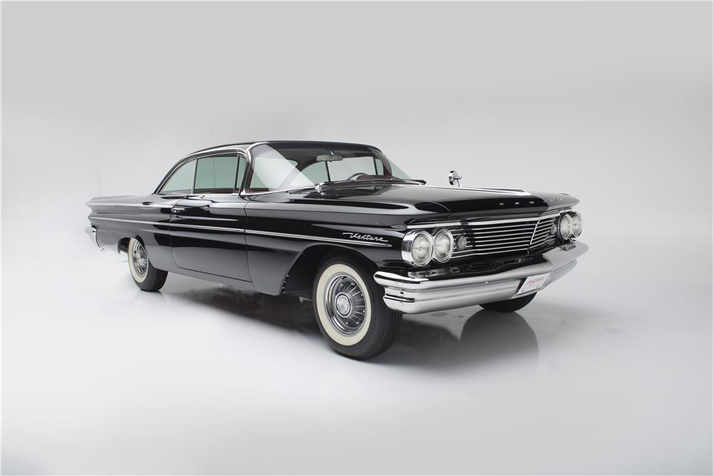 1960 PONTIAC VENTURA SPORTS COUPE - Front 3/4 - 181014