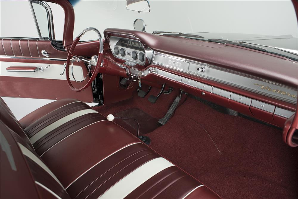 1960 PONTIAC VENTURA SPORTS COUPE - Interior - 181014