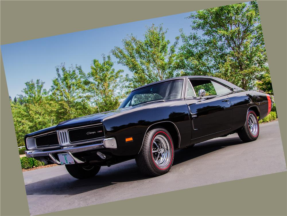 1969 DODGE CHARGER CUSTOM RE-CREATION - Front 3/4 - 181039