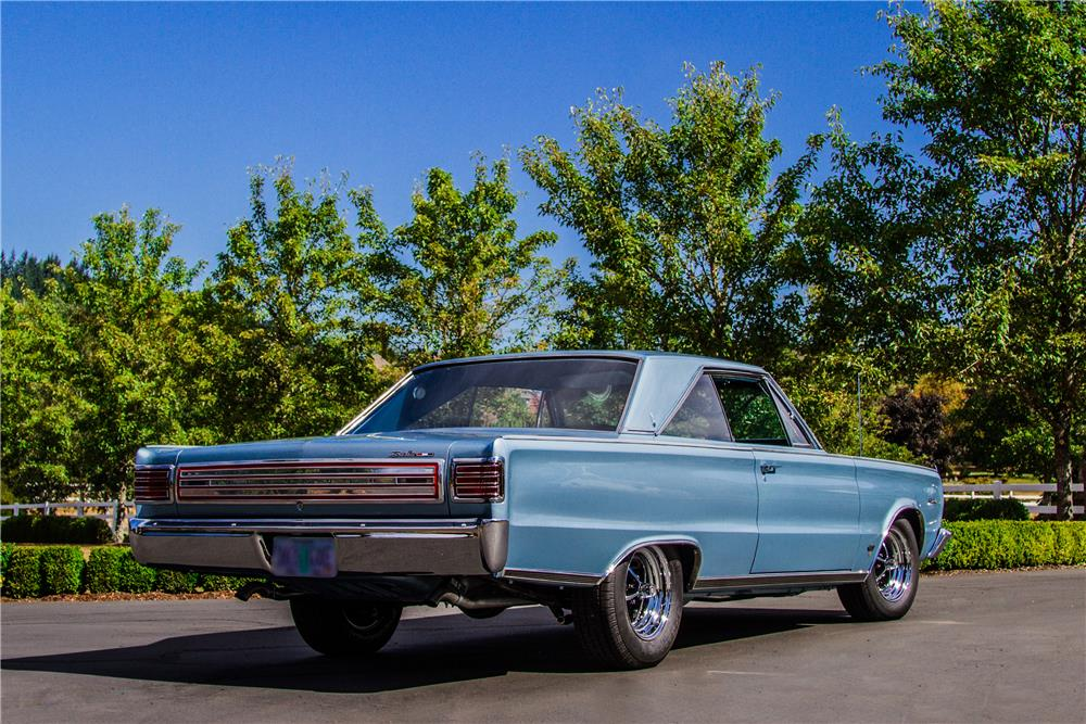 1966 PLYMOUTH HEMI SATELLITE - Rear 3/4 - 181042