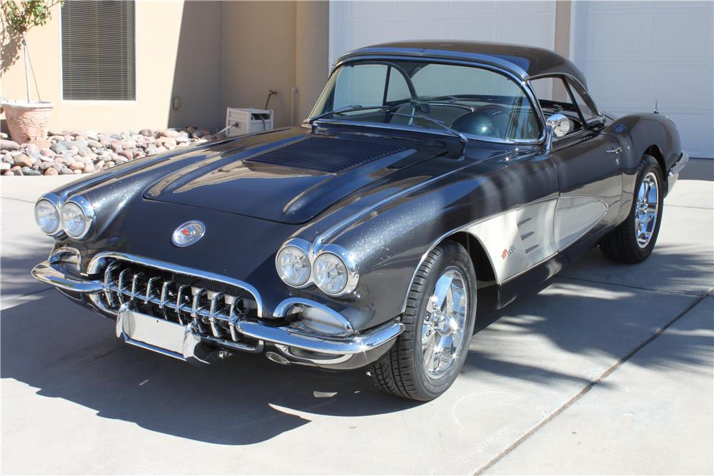 1958 CHEVROLET CORVETTE CUSTOM CONVERTIBLE - Front 3/4 - 181050