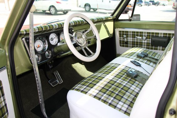1971 CHEVROLET C-10 CUSTOM PICKUP - Interior - 181054
