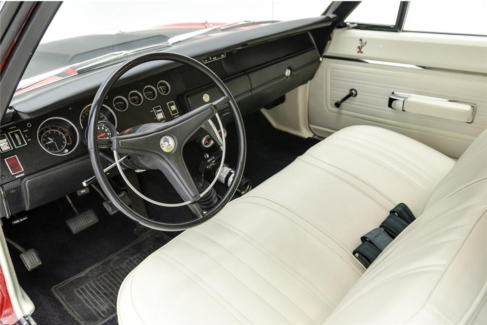1970 PLYMOUTH ROAD RUNNER - Interior - 181088