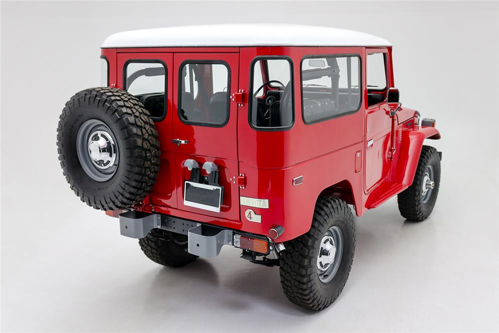 1976 TOYOTA LAND CRUISER FJ-40 SUV - Rear 3/4 - 181090