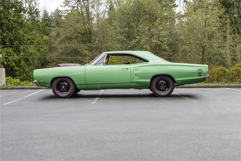 1969 DODGE SUPER BEE - Side Profile - 181098
