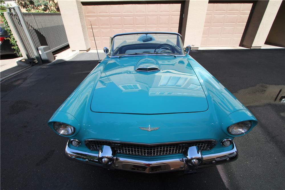 1956 FORD THUNDERBIRD CONVERTIBLE - Front 3/4 - 181120