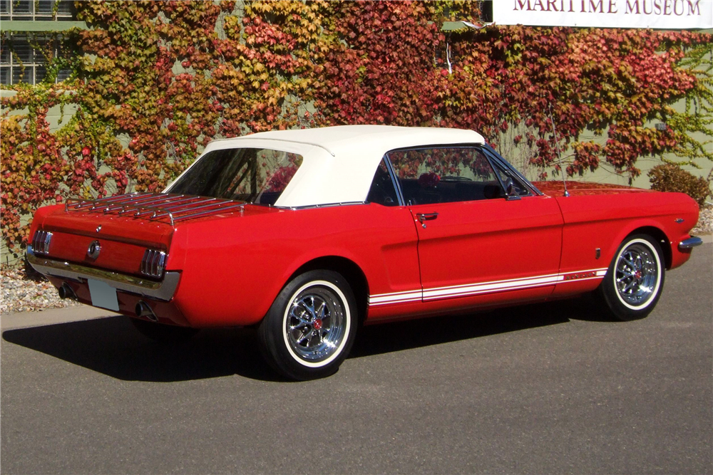 1965 FORD MUSTANG GT CONVERTIBLE - Rear 3/4 - 181158